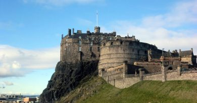 Anreisser Edinburgh Castle