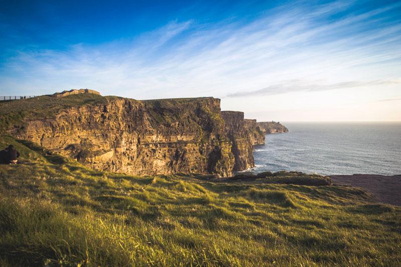 An Irlands Steilküste