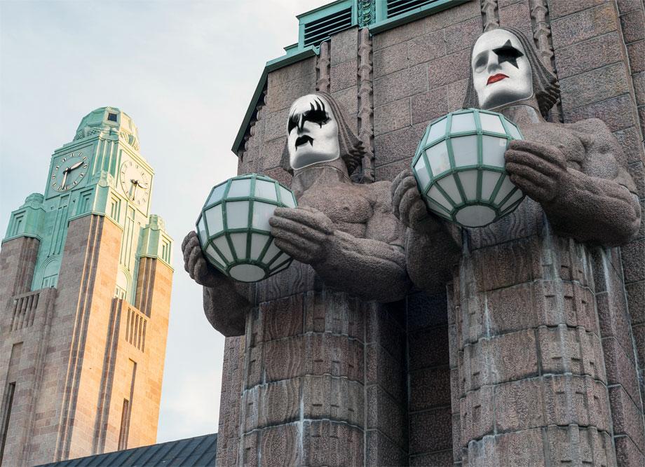 Kiss-Masken Helsinki Bahnhof