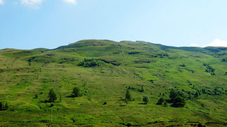 Hügel am Loch Lomond