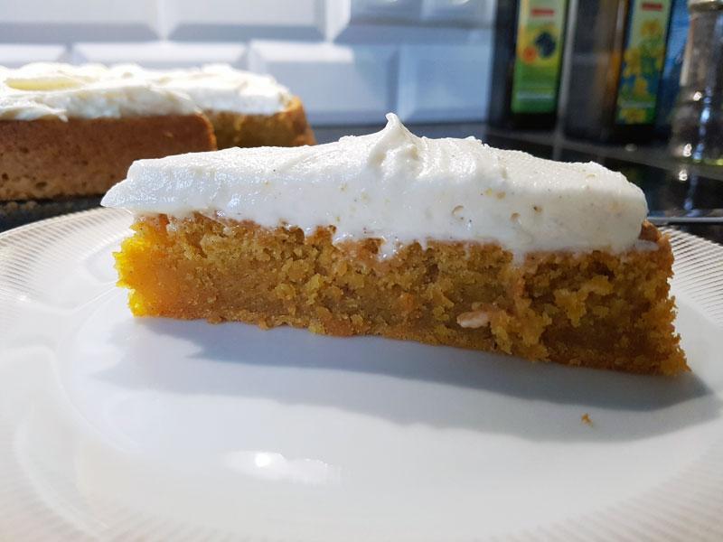 Stück Karottenkuchen - Schwedisches Rezept