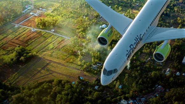 Bombardier CS300 von airBaltic