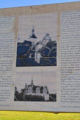 Infotafel mit Bild des Schlosses Lindenhof