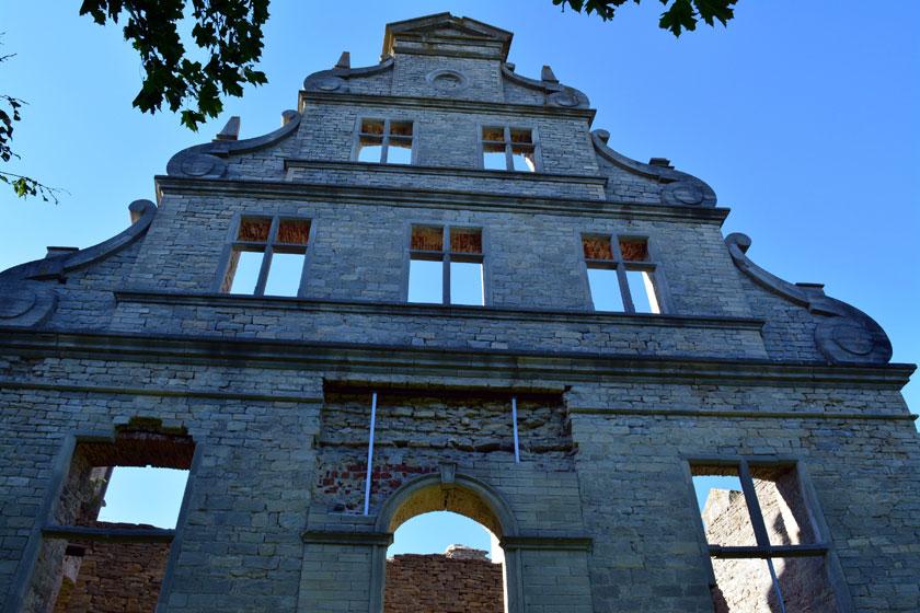 Ruine des Schlosses von Linden