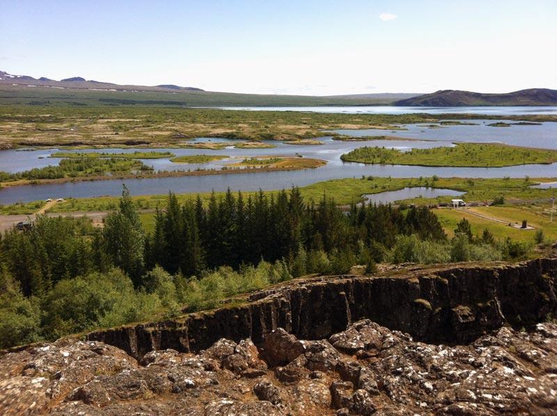 Wunderschönes Thingvellir, mit Blick auf den See Thingvallavatn