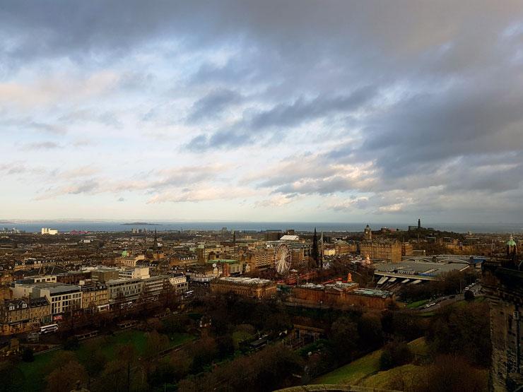 Blick von The Old Town über The New Town nach Leith