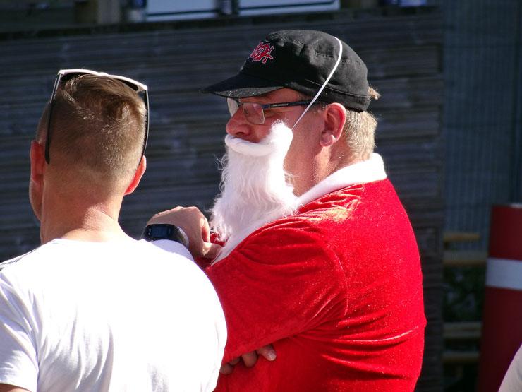 Weihnachtsmann auf dem Festival