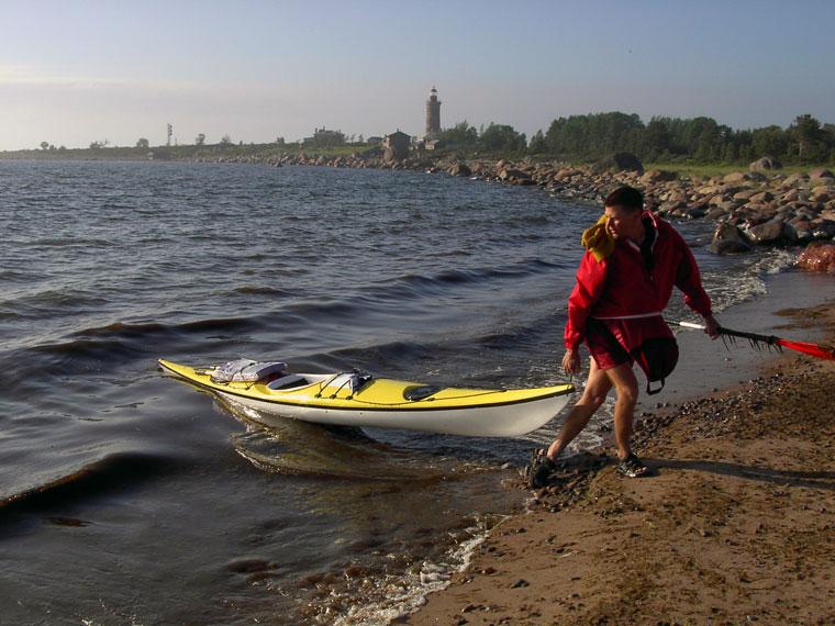 Mit dem Kayak nach Keri