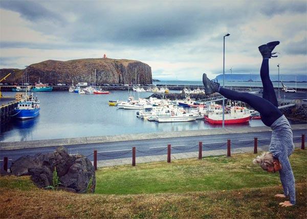 Im Handstand durch Island