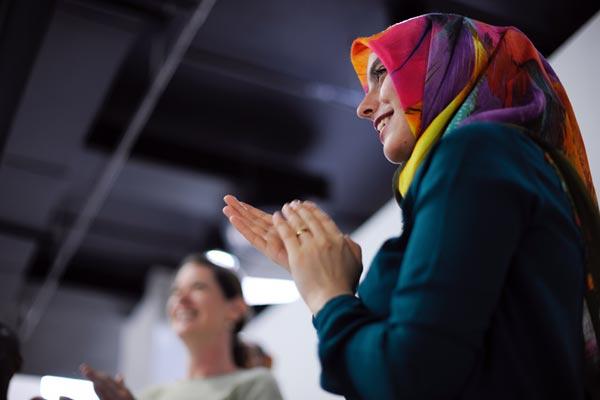 Amina Adan wird erstes Model Dänemarks mit Kopftuch