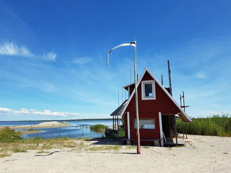 Die Dorfgemeinschaft von Rahuste baut hier eine Bootsanlegestelle
