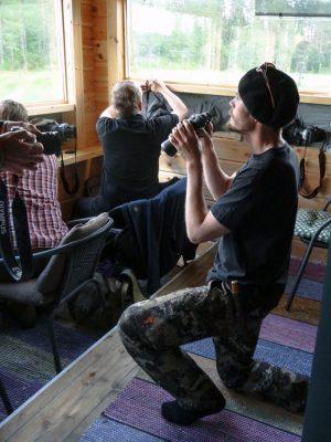Tuomo bei der Bärenbeobachtung