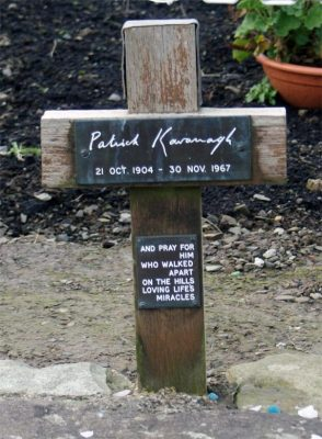 Grabkreuz von Patrick Kavanagh