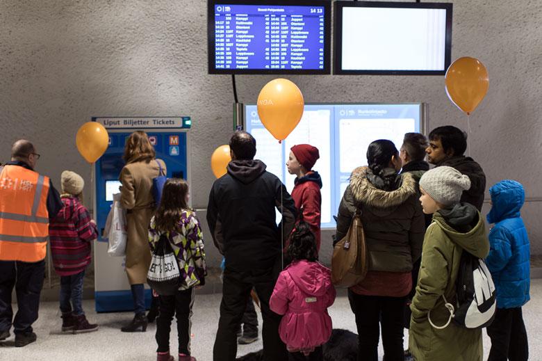 Kinder erhielten Bonbons und Luftballons