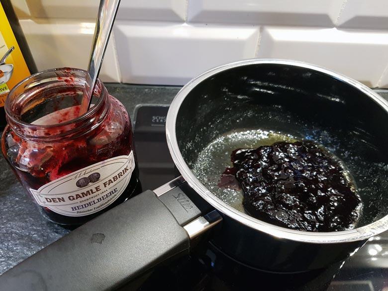 Marmelade erhitzen