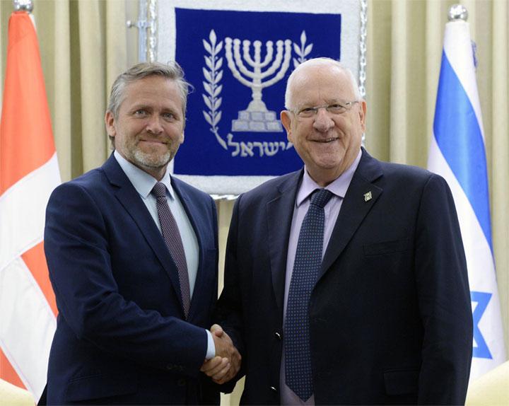 Außenminister Anders Samuelsen mit Reuven Rivlin