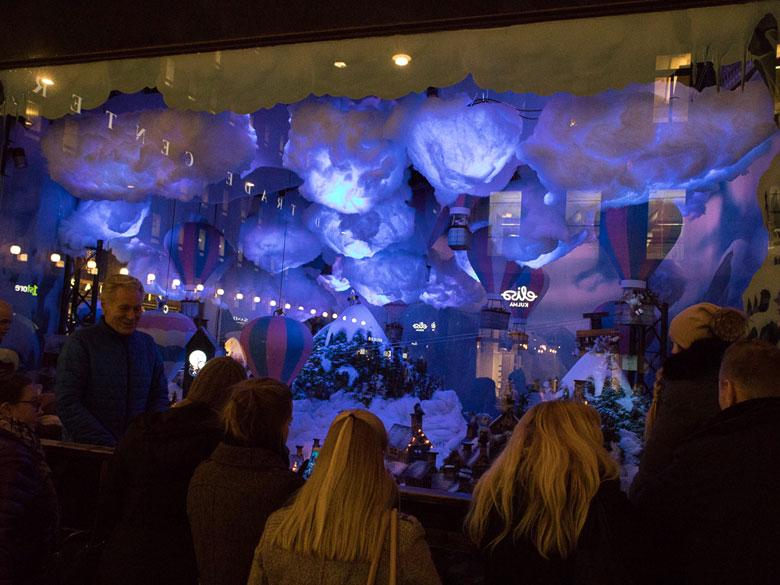 Schaufensterdekoration Helsinki (Foto Tarja Prüss)
