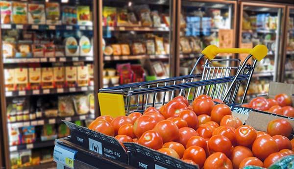 Umfrage: Letten geben zu viel Geld für Essen aus