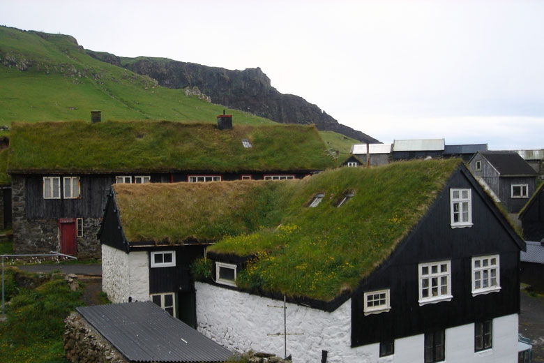 Grasdächer, Färöer Inseln
