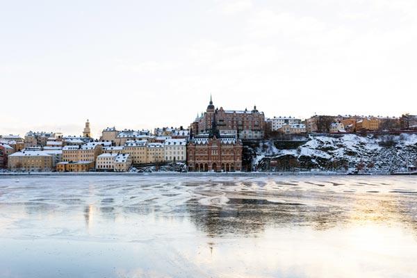 Was halten Schweden außerhalb Stockholms von Stockholm?