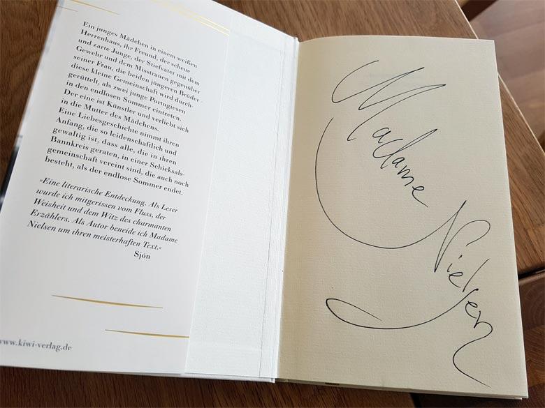 Signiertes Buch
