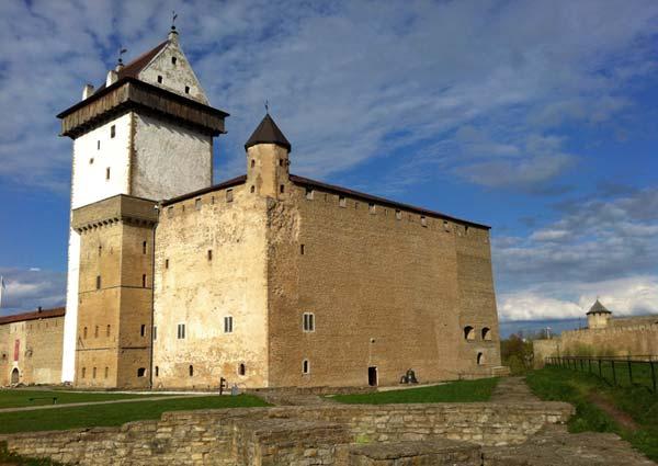 Narva ändert zwei Straßennamen, die nach Kommunisten benannt sind