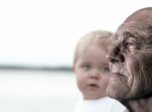 Forscher überrascht von Wichtigkeit der Großväter bei der Kinderbetreuung