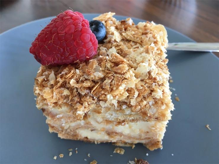 Napoleon-Torte mit Blätterteig