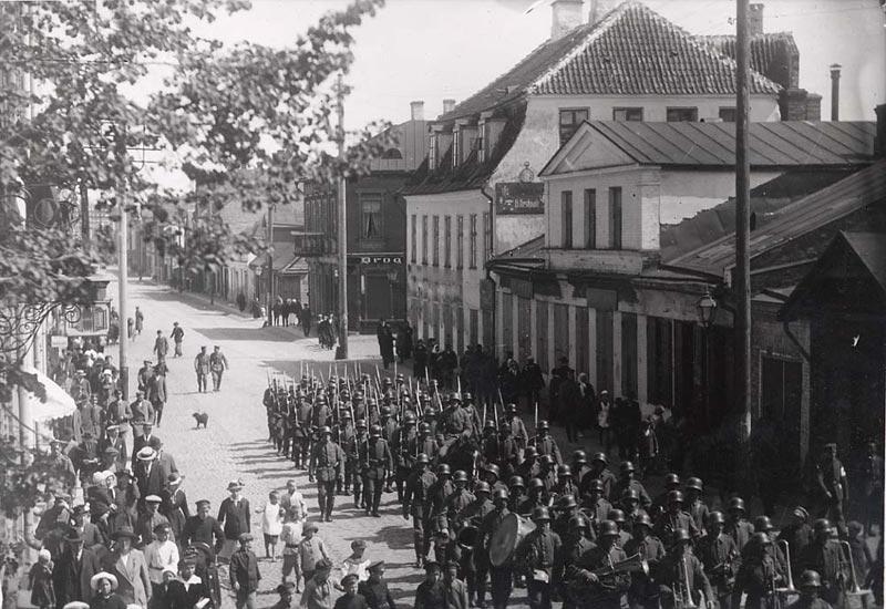 Deutsche Militärparade in Tartu