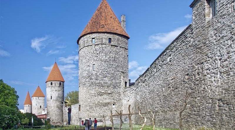 Stadtmauer Tallinn Sehenswürdigkeit