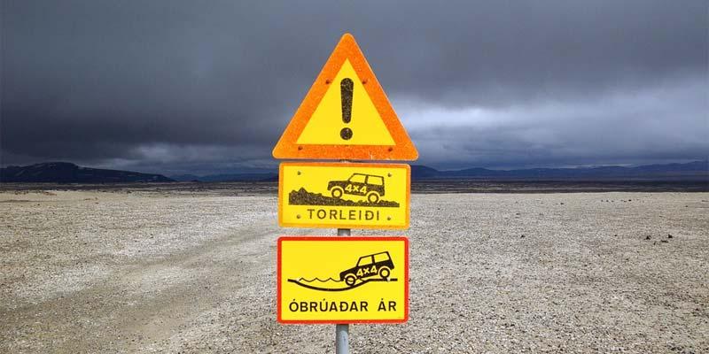 Tipps für den Auto-Urlaub: Verkehrsregeln in Nordeuropa