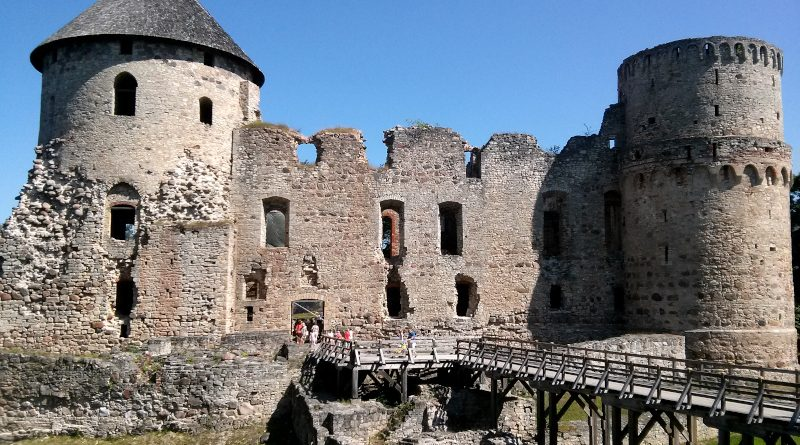 cesis ruine ordensburg
