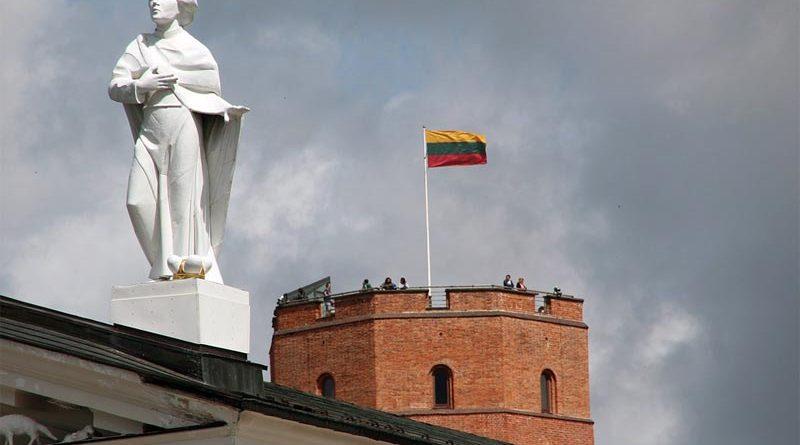 Corona Litauen Gedimas Turm