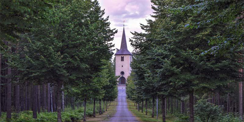Schweden Kirche Pfarrer