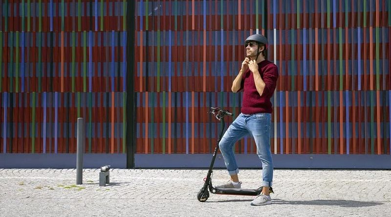 e-Roller Helmpflicht Scooter Dänemark
