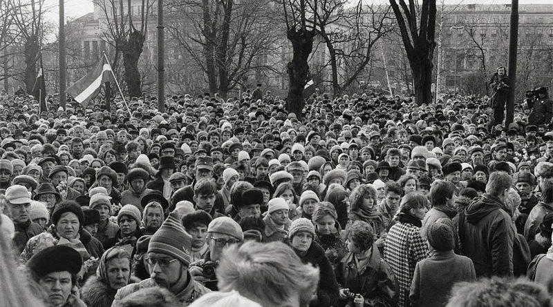 Demonstration Barrikade Riga ausstellung