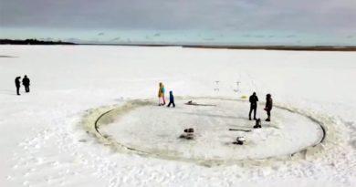 Eiskarussel Ostsee Estland