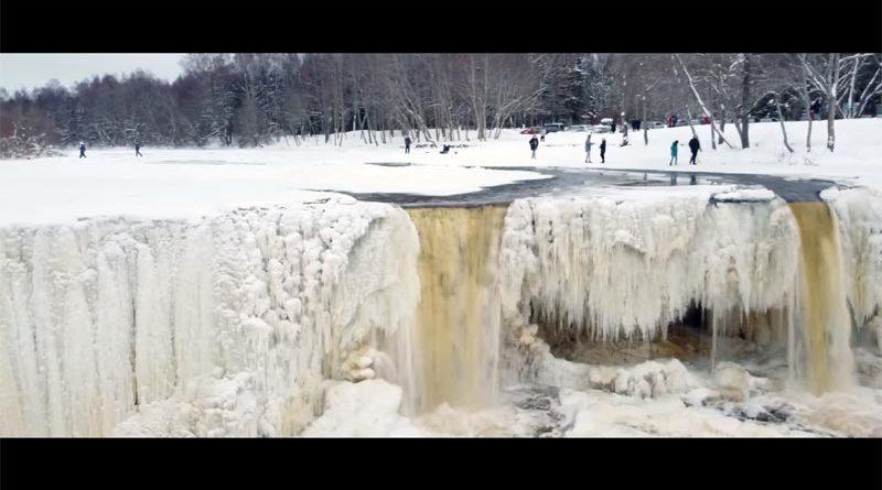 Ägala Wasserfall Winter gefroren