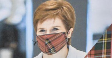 Nicola Sturgeon Schottenmuster Maske