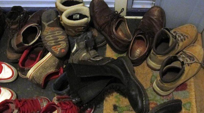 Schuhe ausziehen