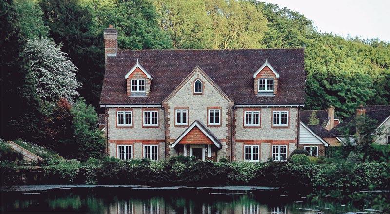Großbritannien: Immobilienpreise galoppieren – 30 % höher als noch 2008