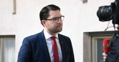 Vorsitzender der schwedischen Rechtspopulisten fordert Parteimitglieder auf, sich impfen zu lassen